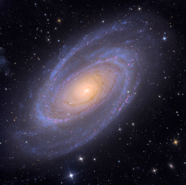 http://www.constellation-guide.com/bodes-galaxy-messier-81/